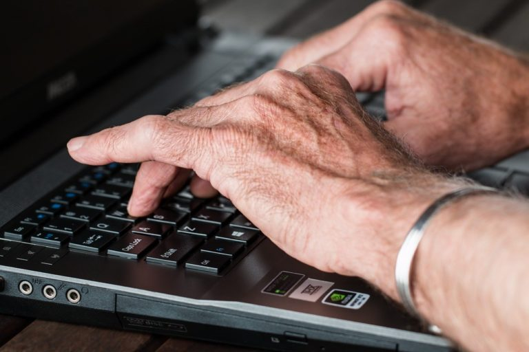Older Adults Learn How To Spot Fake News Thanks To Literacy Workshops